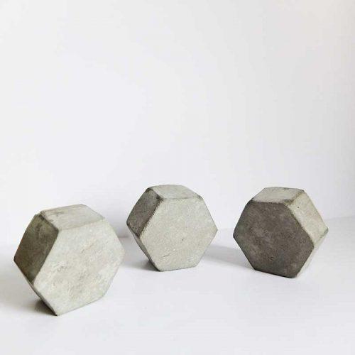 Set de 3 patères en béton brut