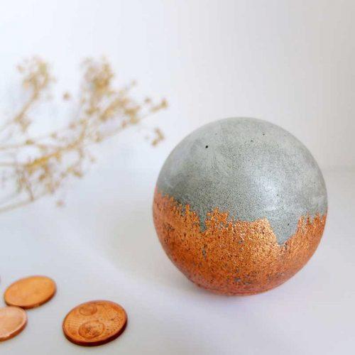 Sphère décorative béton cuivre