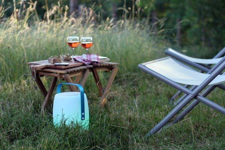 Nomad, une lampe baladeuse indoor et outdoor doublée d'une enceinte !*