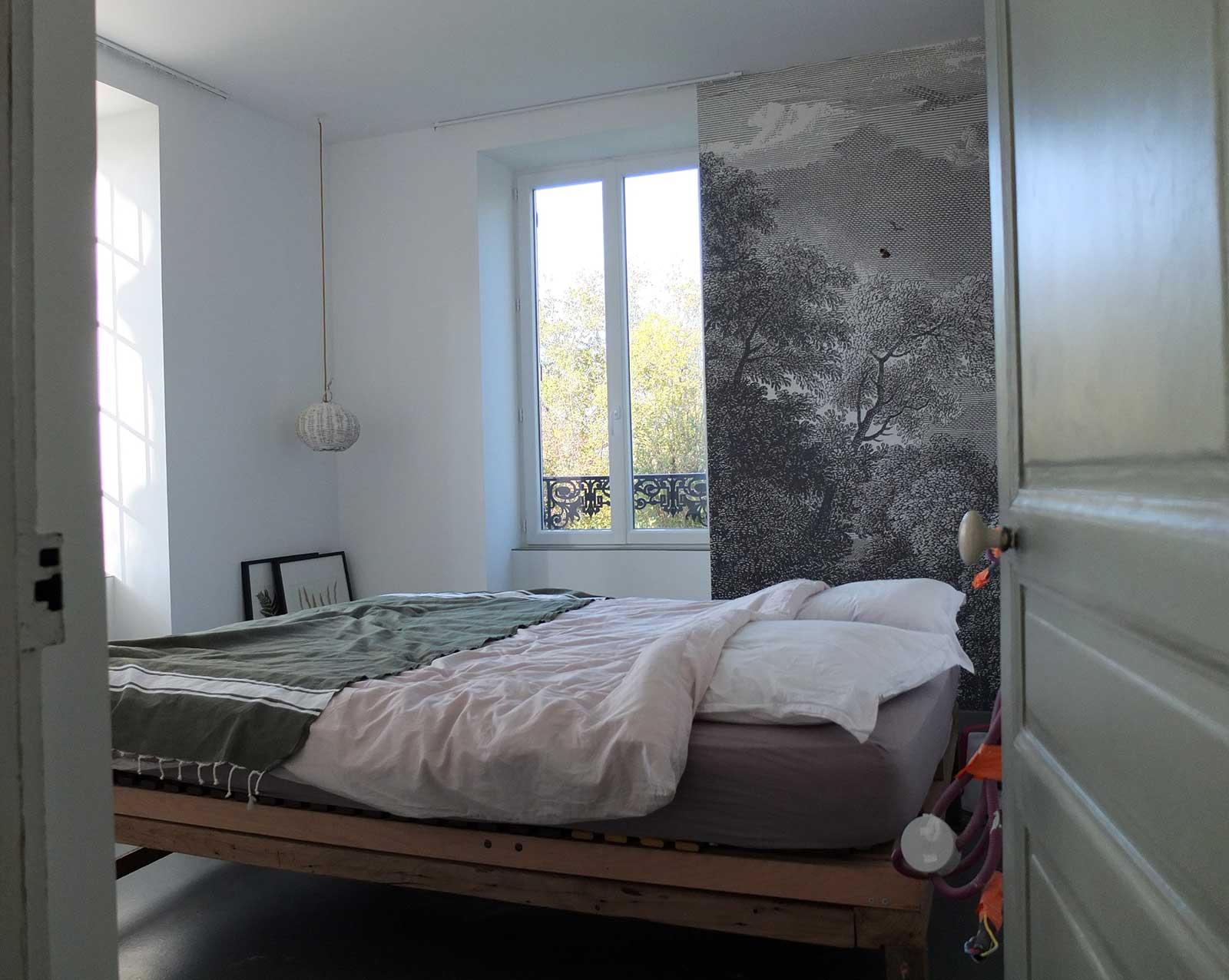 Notre t te de lit multifonctions pour 50 euros misc webzine for Lit 50 euros