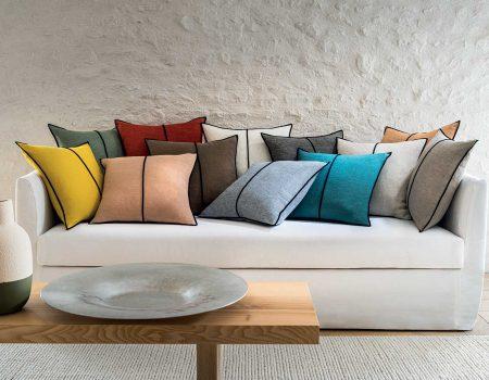 "© Casamance - Accessoires ""Maison Casamance"" : coussins Linen"